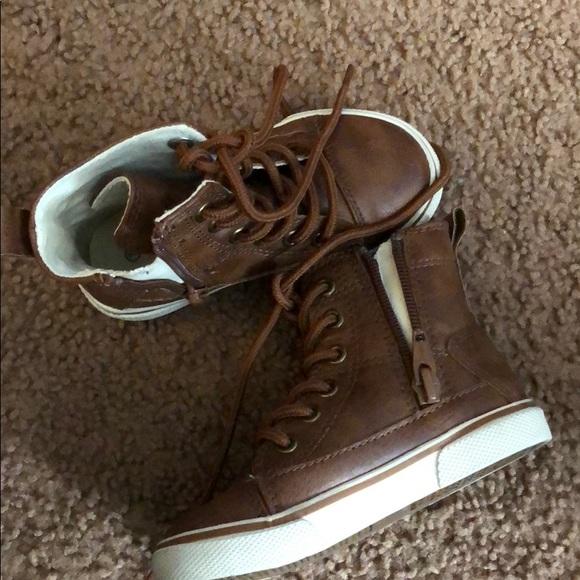 Cute Little Boy Sneaker Boots Sz